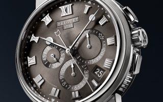 Der Marine Chronograph 5527 in Titan von Breguet.