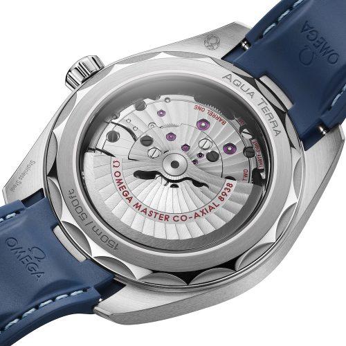 Das Master Chronometer Kaliber 8938 besitzt eine Co-Axial-Hemmung mit Siliziumspirale.