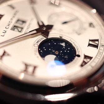 Detail der Mondphasenanzeige der Lunar One Big Date von Chopard.