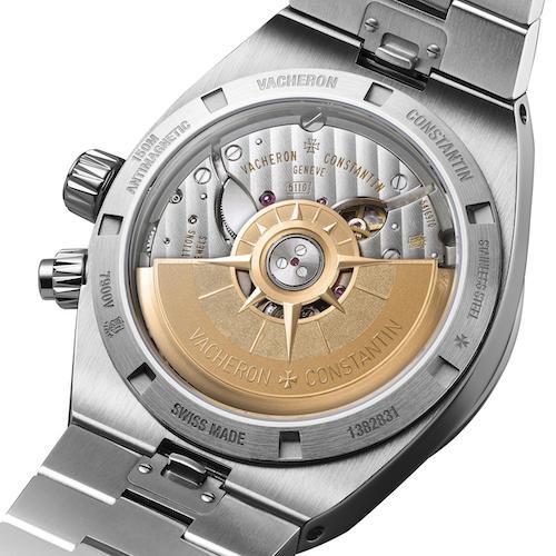 Die mit einer Windrose versehene Schwungmasse der Overseas von Vacheron Constantin besteht aus 22-karätigem Gold.